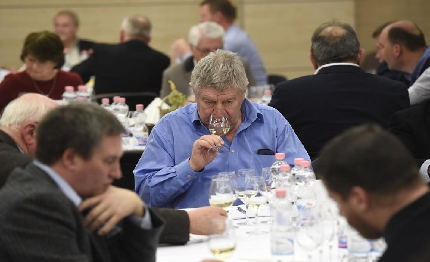 121 magyar borászat 888 bora a CBA borversenyén