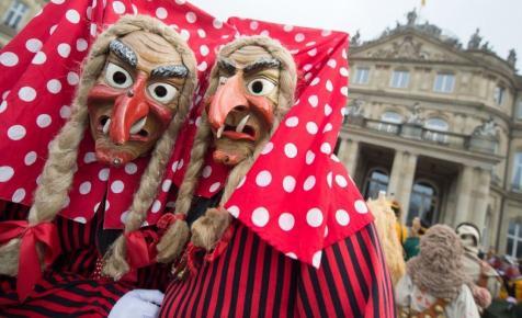 Fortyogó boszorkányüstbe dobtak egy lány Németországban