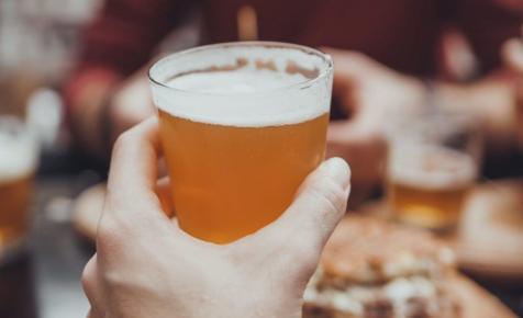 A lebomló söröspohár lesz az új őrület?