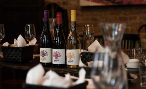 Itt van két új Egytőről bor, és egy Egytőről Borbártérkép