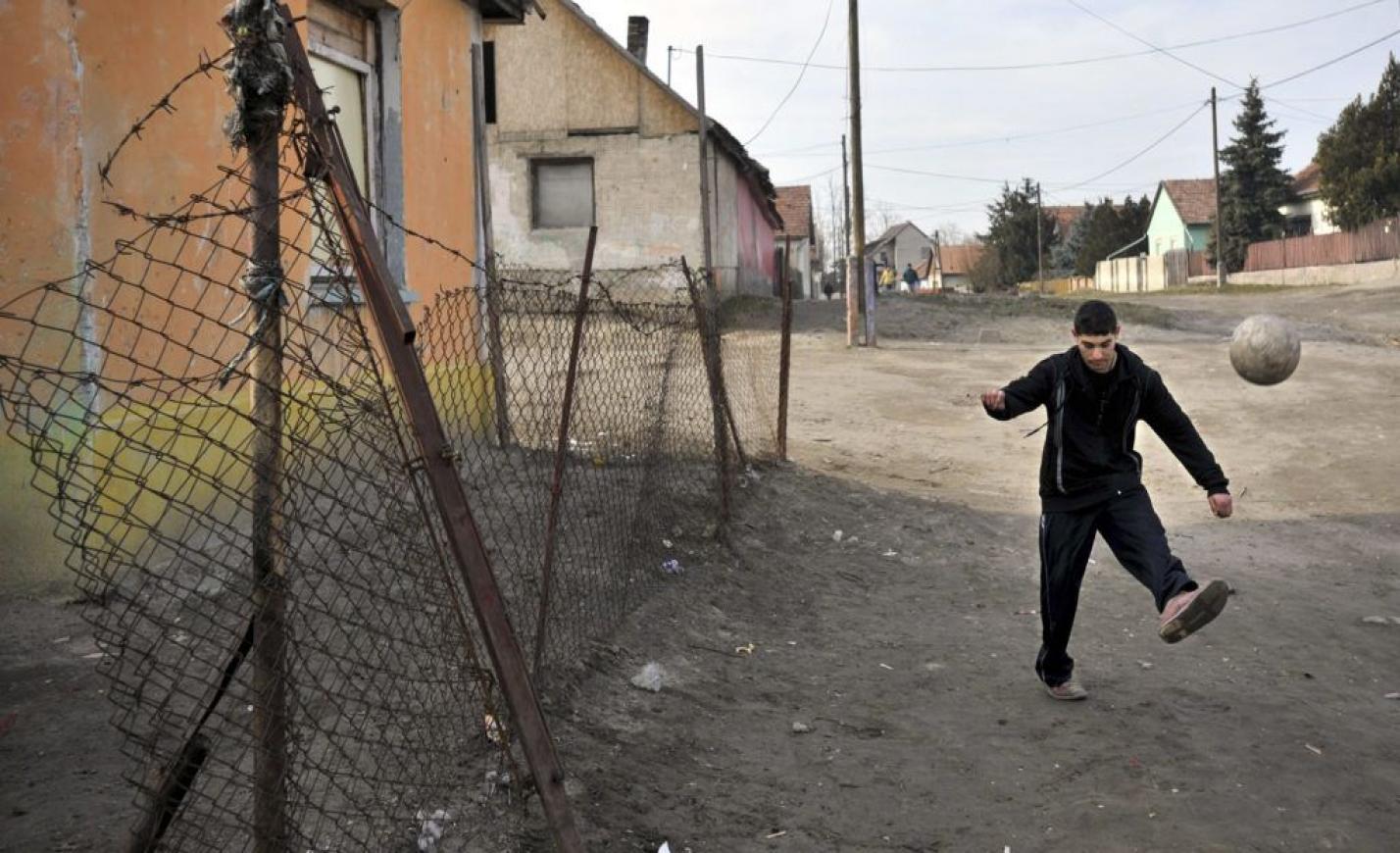 Karafiáth: Orbán rendszere konzerválja a romák leszakadását