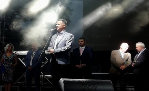 Sörrel koccintva nyitották meg az első Kézműves Sörfesztivált Gyulán