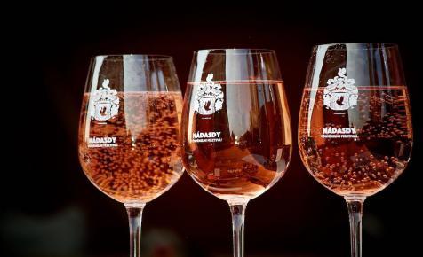 Jó borokat akar inni?