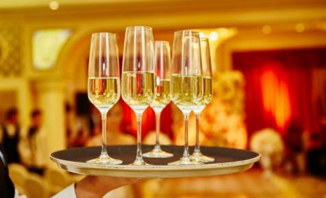 Madame Clicquot konyhaasztala és az elhalt élesztő szerepe: tudj meg többet a champagne-ról!