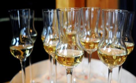 A szabad pálinkafőzést ünneplik Füzéren szombaton