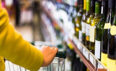 Meglepően jó borokat lehet kapni a diszkontokban: mi áll a háttérben?