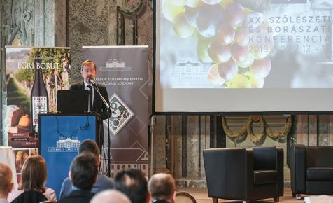 Világhírű borszakértővel zajlik a Szőlészeti és Borászati Konferencia - ÉLŐ