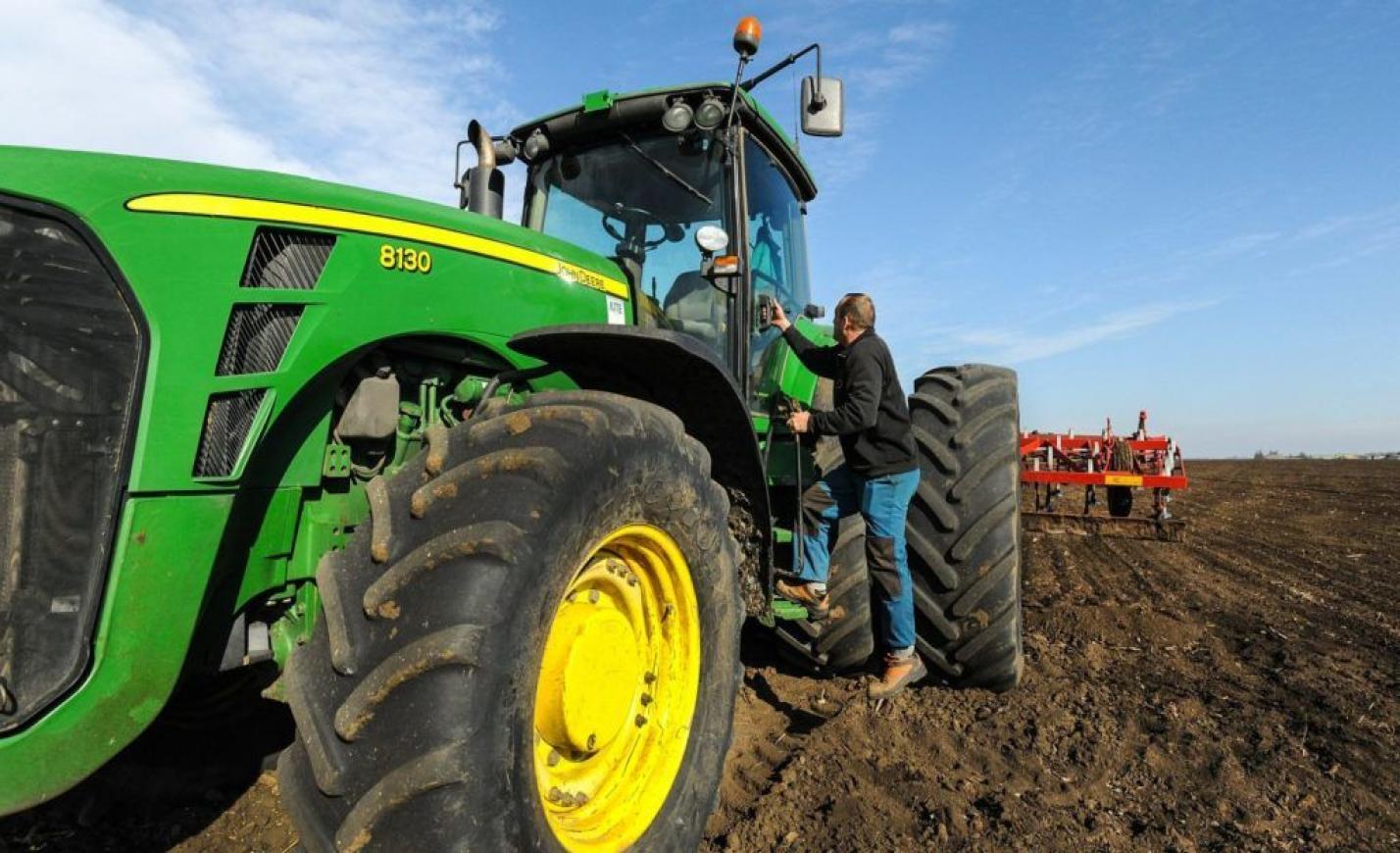 Csúcsra pörgött a traktorpiac