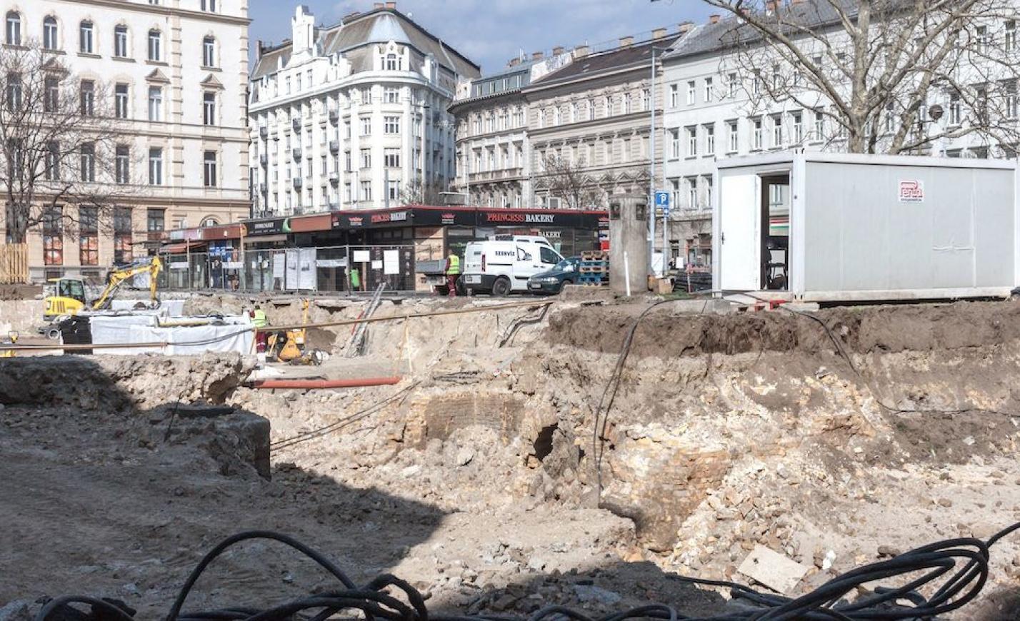 Hetven éve eltűnt épületek bújtak elő a Belváros közepén
