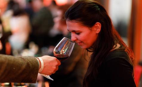 Női borászok tartanak kóstolót nőnapon