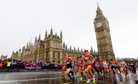 A rossz öltözék miatt érvénytelen a maratonfutó ápolónő Guinness-rekordja