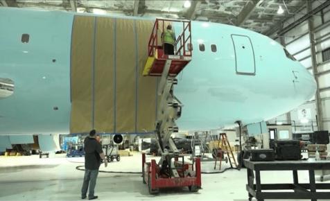 Drake vett magának egy Boeing 767-et, és ez lesz a magángépe