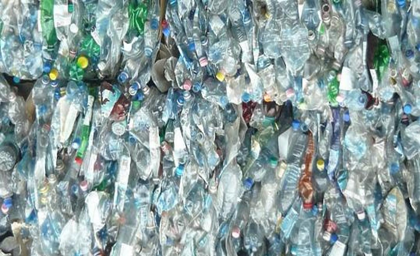 Legalább 50 ezer műanyagrészecskét eszünk meg évente