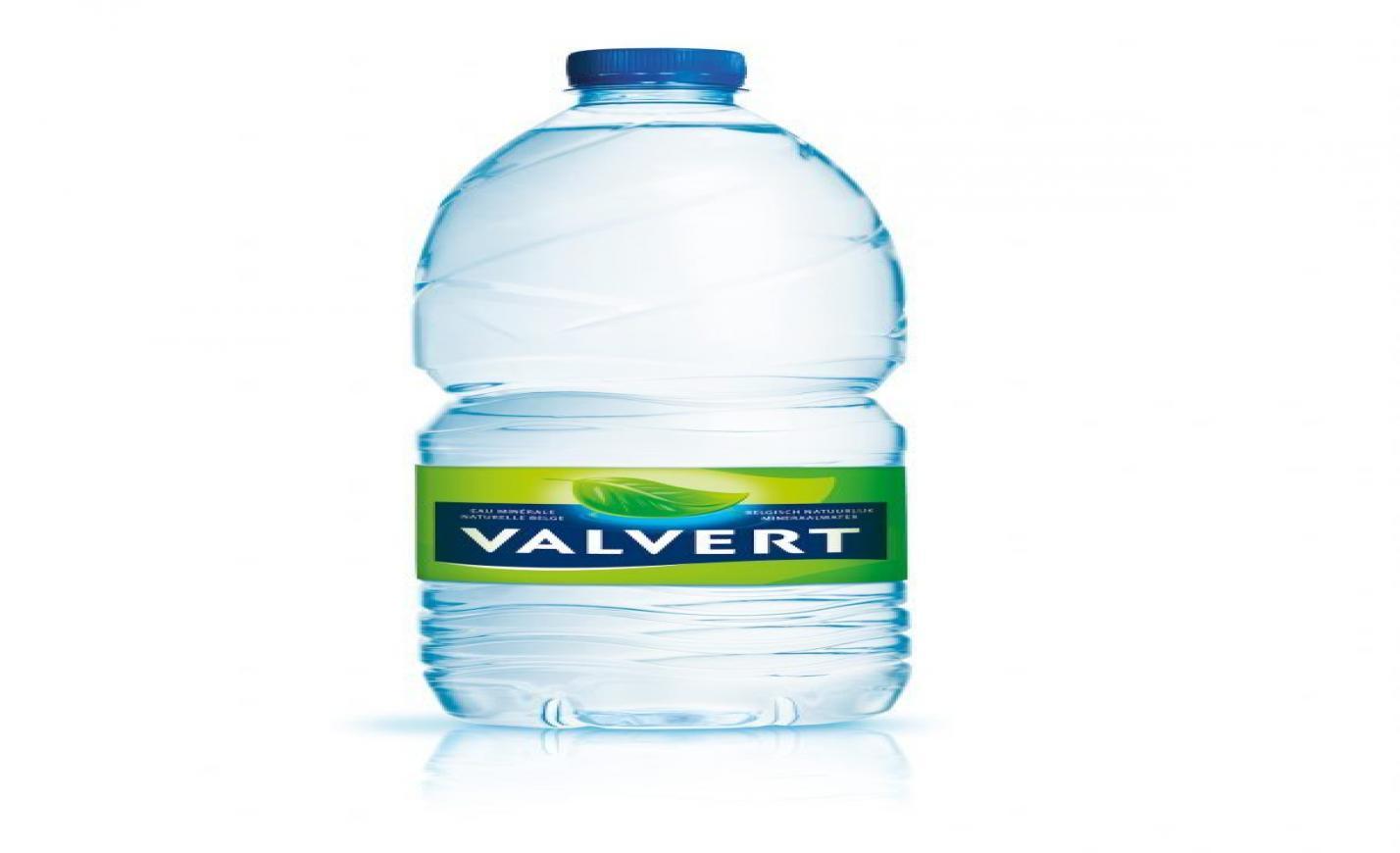Európában elsőként Belgiumban dobja piacra 100 százalékban újrahasznosított műanyagból készült vizespalackját a Nestlé