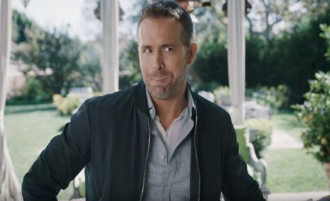 Ryan Reynolds megmutatta, milyen szlogeneket tiltottak le új ginje kapcsán