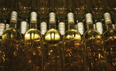 Tavaly 5,3 milliárd liter bort készített egyetlen európai ország