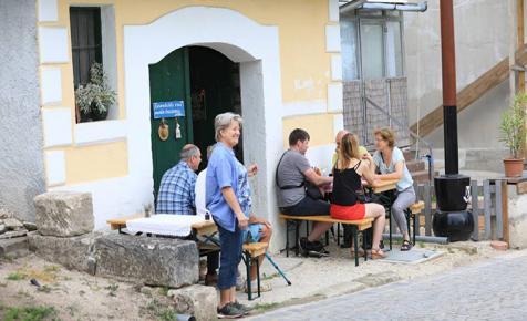 Must, murci, bor, pezsgő, pálinka, borecet kóstolható az Etyeki Borangolón