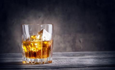 Elképesztő rekord! Felfoghatalan összegért kelt el a világ legdrágább whiskyje