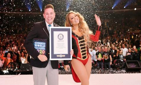 Mariah Carey három Guinness-rekordot döntött karácsonyi dalával