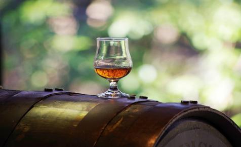 Méregdrága hordós whiskyket árvereznek el