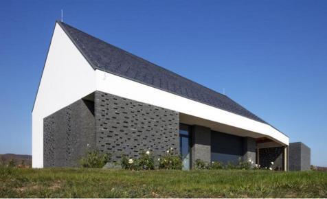 Egy Balaton-felvidéki borász házáért rajonganak a világ építészei