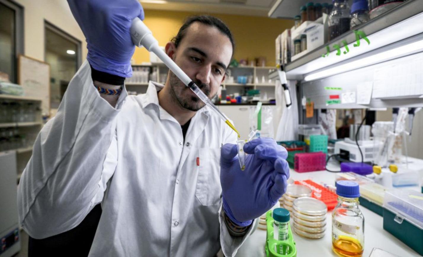 Koronavírus: Kié lesz a vakcina, ha elkészül?