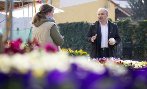 Nagy István bejelentette, mely szektorok kapnak jelentős fizetési könnyítéseket