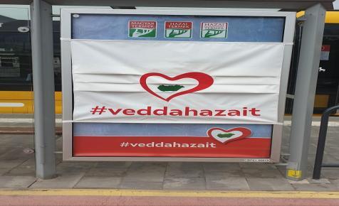 Maszkos plakátkampányba kezd  a Vedd a hazait! Védd a hazait! akció