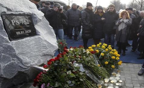 Irán hajlandó tárgyalni a lelőtt ukrán utasszállító áldozatainak kártérítéséről