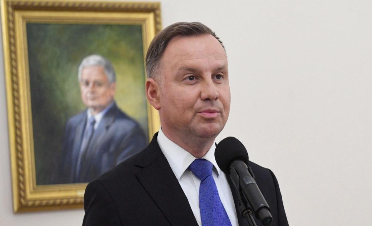Egy orosz az ENSZ főtitkárának kiadva magát, hosszan faggatta az újraválasztott lengyel elnököt