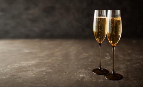 Igazi szenzáció: elkészült a Pécsi Tudományegyetem első pezsgője