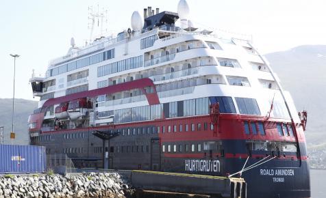 Már 43 koronavírusos utasa van a Roald Amundsen turistahajónak