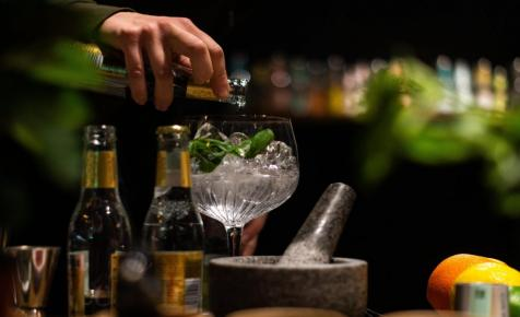 Hogy kerül a skorpió a gin-tonicba?