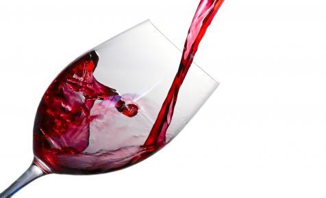 Kínának elege lett az ausztrál borok olcsó áraiból, brutális vámot vetett ki