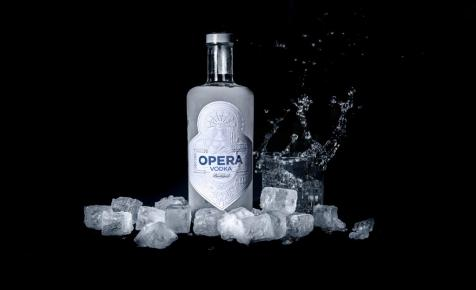 Opera Gin után itt az Opera Vodka