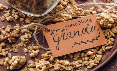 Készíts karácsonyi granolát és mézeskalács likőrt!