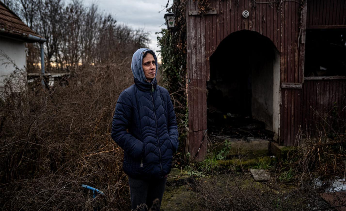 Leégett a házuk, mindenük odalett, de villanyszámlát azóta is kapnak, most járnak 700 ezer forintnál