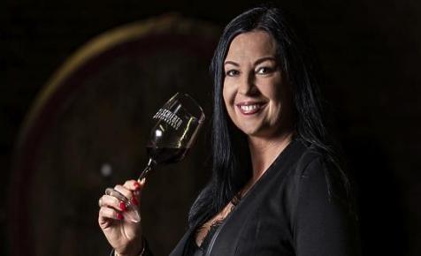 """""""A borkészítés szenvedélyes műfaj"""" - Schieber Anita borról, alkotásról és üzletről"""