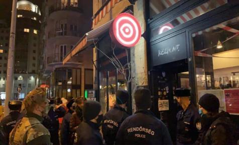 Délután kinyitottak, este 60 napra bezáratta a rendőrség a belvárosi vendéglátóhelyet
