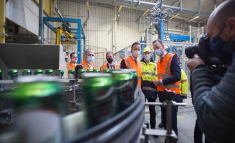 Itt a bejelentés: több száz millió forintból fejleszt a Heineken a Soproni Sörgyárban