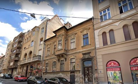Mozgalmas történelmű ház tűnik el az Alagút közeléből