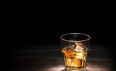 Tízéves mélypontjára zuhant tavaly a skót whisky exportbevétele