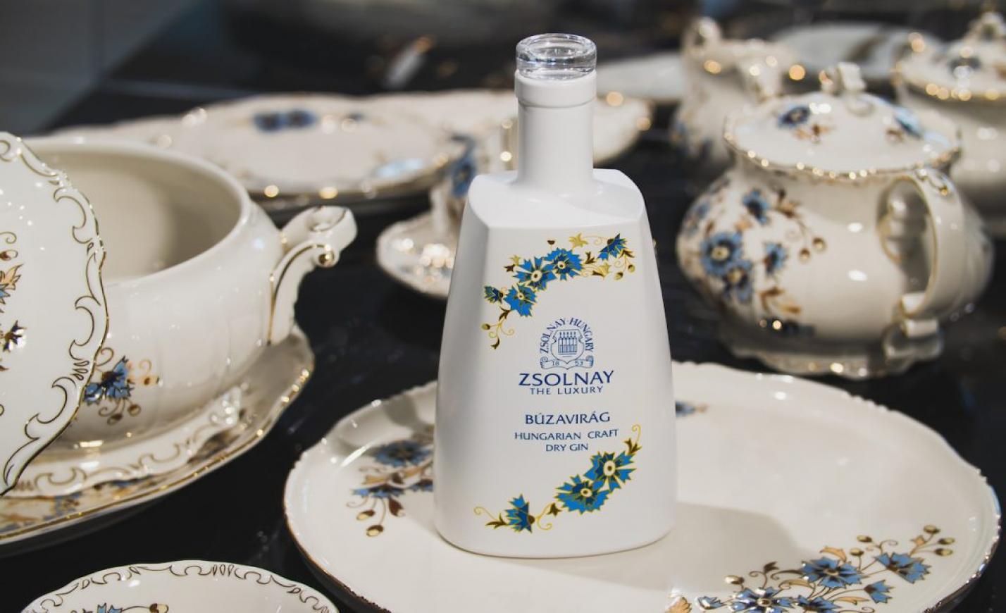 Egy magyar gin közreműködésével fiatalodik a Zsolnay Porcelánmanufaktúra márka
