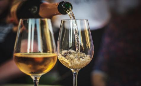 Teljesen átalakulhatnak a magyar borfogyasztási szokások: ez lehet a legújabb trend
